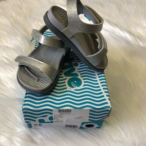 Toddler Girls Silver Native Charley Sandals Sz 6
